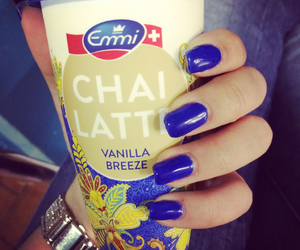 blue, blue nails, and breeze image