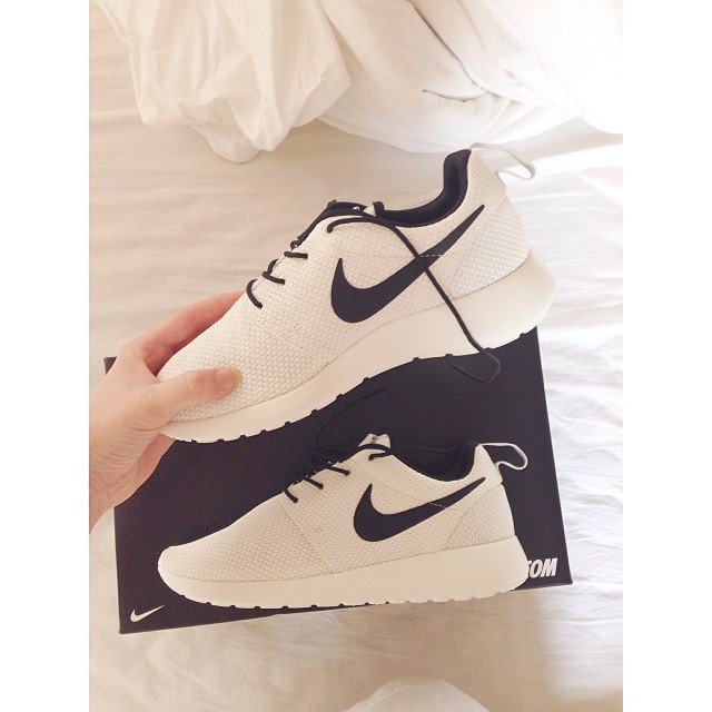 245e3d77d1e australia nike roshe run limited edition foot tumblr de0d4 9baac