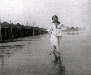 beach and isadora duncan image