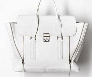 bag and white image