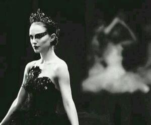 beauty, black swan, and fashion image