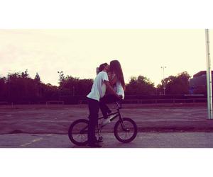 kiss, love, and bicicleta image