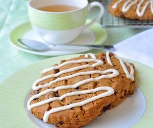 Cookies, raisin, and molasses image