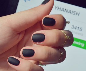 nails and Queen image
