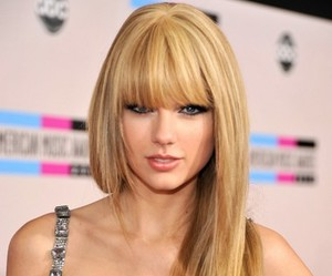 glamour, Taylor Swift, and taylor swift make up image