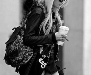 Taylor Momsen, style, and the pretty reckless image