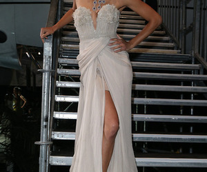 Adriana Lima and hair image