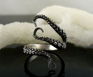 ring and tentacles image