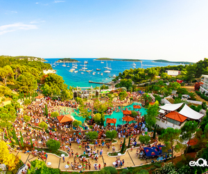 rave, hvar, and poolparty image