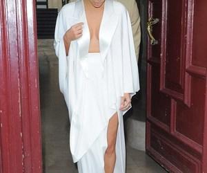 kim kardashian and white image