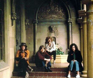 led zeppelin and robert plant image