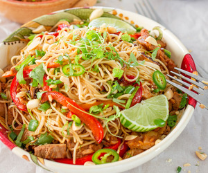 chinese, chinese food, and noodles image
