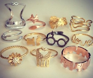 rings and love image