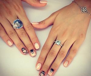 girls, uñas, and manicure image
