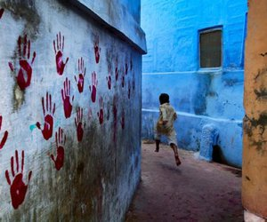 steve mccurry, hands, and boy image