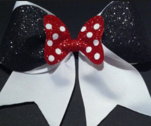 bow and cheer image