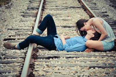 Couple Cute Love Photography Railway