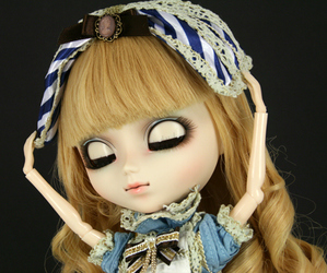 alice in wonderland, pullip, and blonde image