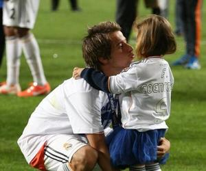 daddy, daughter, and real madrid image