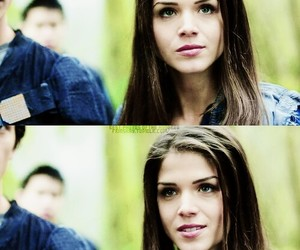 octavia blake, marie avgeropoulos, and the hundred image