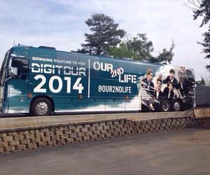 tour bus and o2l image