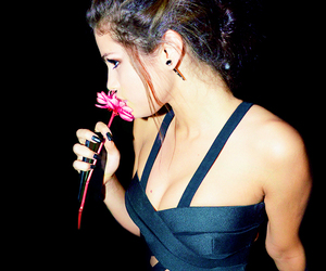 selena gomez, selena, and flower image