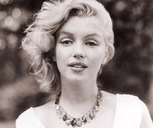 diva, Marilyn Monroe, and idol image