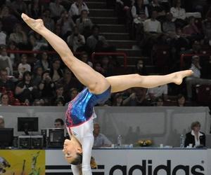 gymnast, gymnastics, and lol image