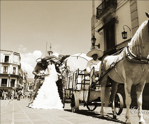 boda, caballo, and carreta image