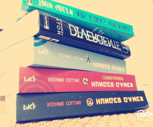 hunger game, divergent, and best book image