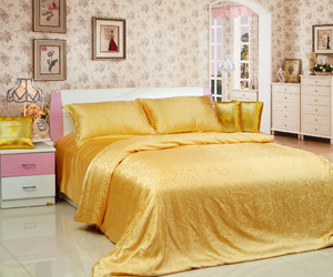 mulberry, luxury bedding, and floral patterns image