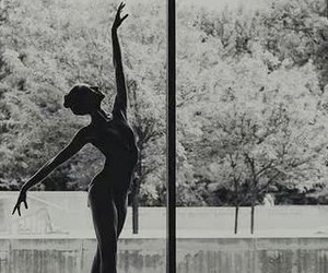 ballet, black and white, and pointe image