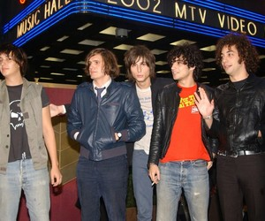 albert hammond jr, fabrizio moretti, and julian casablancas image