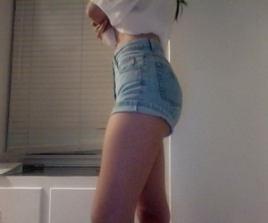 pale, grunge, and shorts image