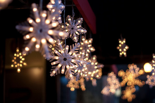 christmas, flakes, light, pretty, snow, xmas - inspiring picture on ...