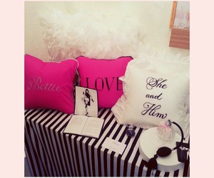 cushion, trunkshow, and love image
