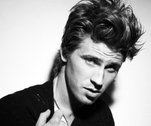 garrett hedlund, boy, and Hot image