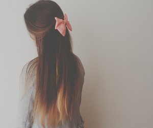 bows and ombre image