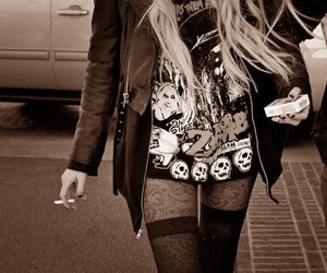 Taylor Momsen, cigarette, and rock image