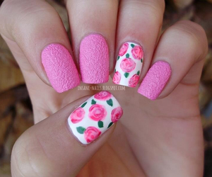 nails pink rouses image