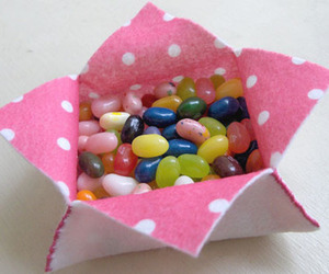 gift box and gourmet jelly beans image