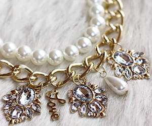 necklace, fashion, and pearls image