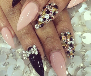 nails, neutral, and pretty image