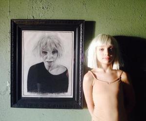 chandelier, maddie ziegler, and Sia image