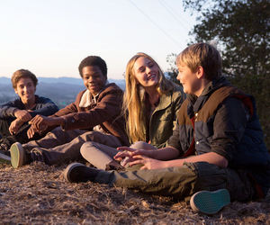 2014, cast members, and earth to echo image