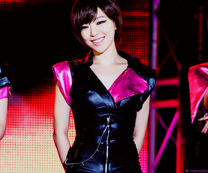 gain and brown eyed girls image
