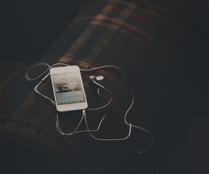 grunge, ipod, and phone image