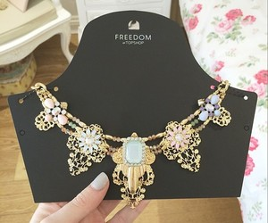 necklace, fashion, and topshop image
