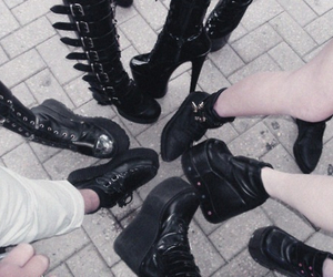 black, concert, and creepers image
