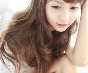 girl and hairdo image